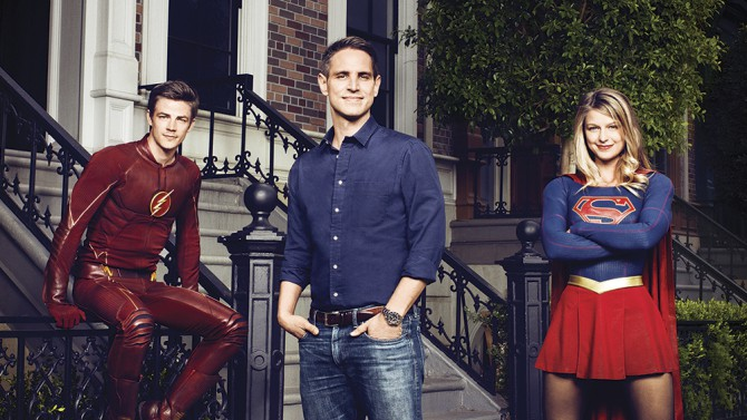 (l.-r.) Grant Gustin/The Flash, Greb Berlanti (exec. producer), and Melissa Benoist/Supergirl